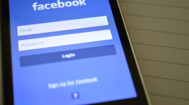 11 måder at tjene mange penge på facebook