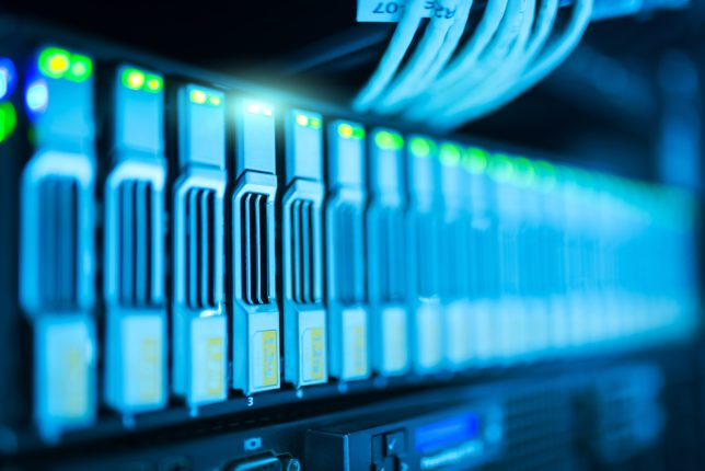 Den ultimative guide til at finde den bedste og billigste hosting